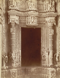 Interior doorway Sas-Bahu temple, Gwalior Fort.